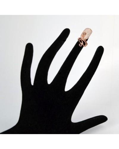Snake cover nail